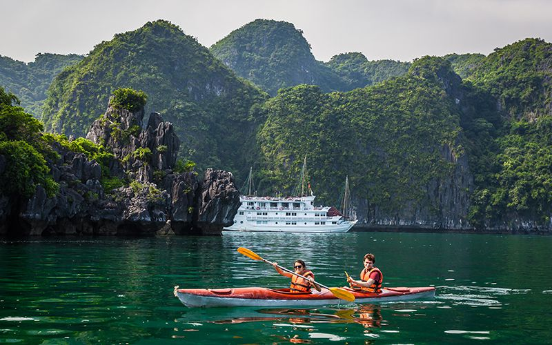 describe ha long bay The halong hideaway tour bring you to the best and untouched parts of the bay no words can describe the beautiful scenery of halong bay.