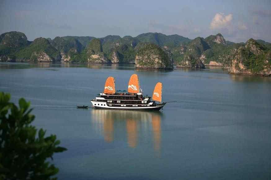 Paradise Luxury Cruise  Halong Bay 3 Days 2 Night