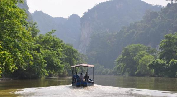 Ba Be National Park & Trekking Tour