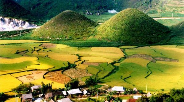 Bac Ha – Ha Giang Ultimate Trek  10 Days / 9 Nights