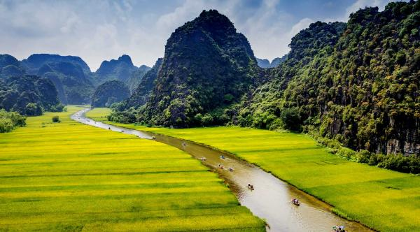 Explore Hoa Lu Ancient Capital and Tam Coc – Day trip