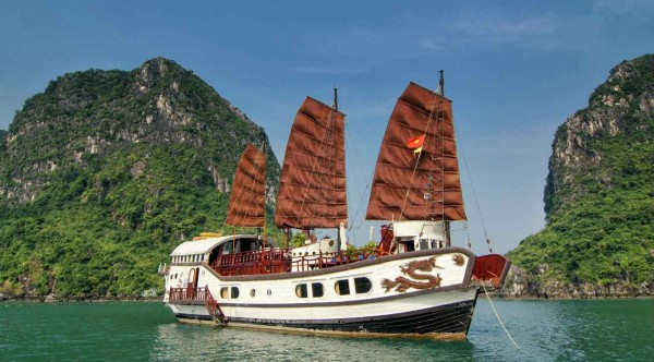 Treasure Junk – Halong Bay 3 Days/ 2 Nights