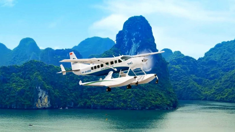 Co To seaplane Halong