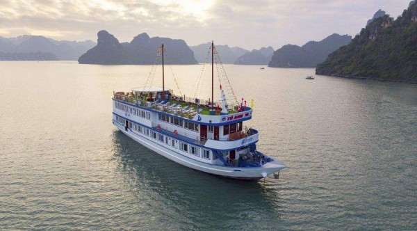 LA PACI CRUISES 4 Stars – 2 Days/ 1 Night