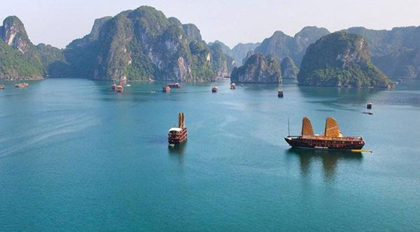 Bai Tu Long Cruise – Halong Bay 3 Days/ 2 Nights
